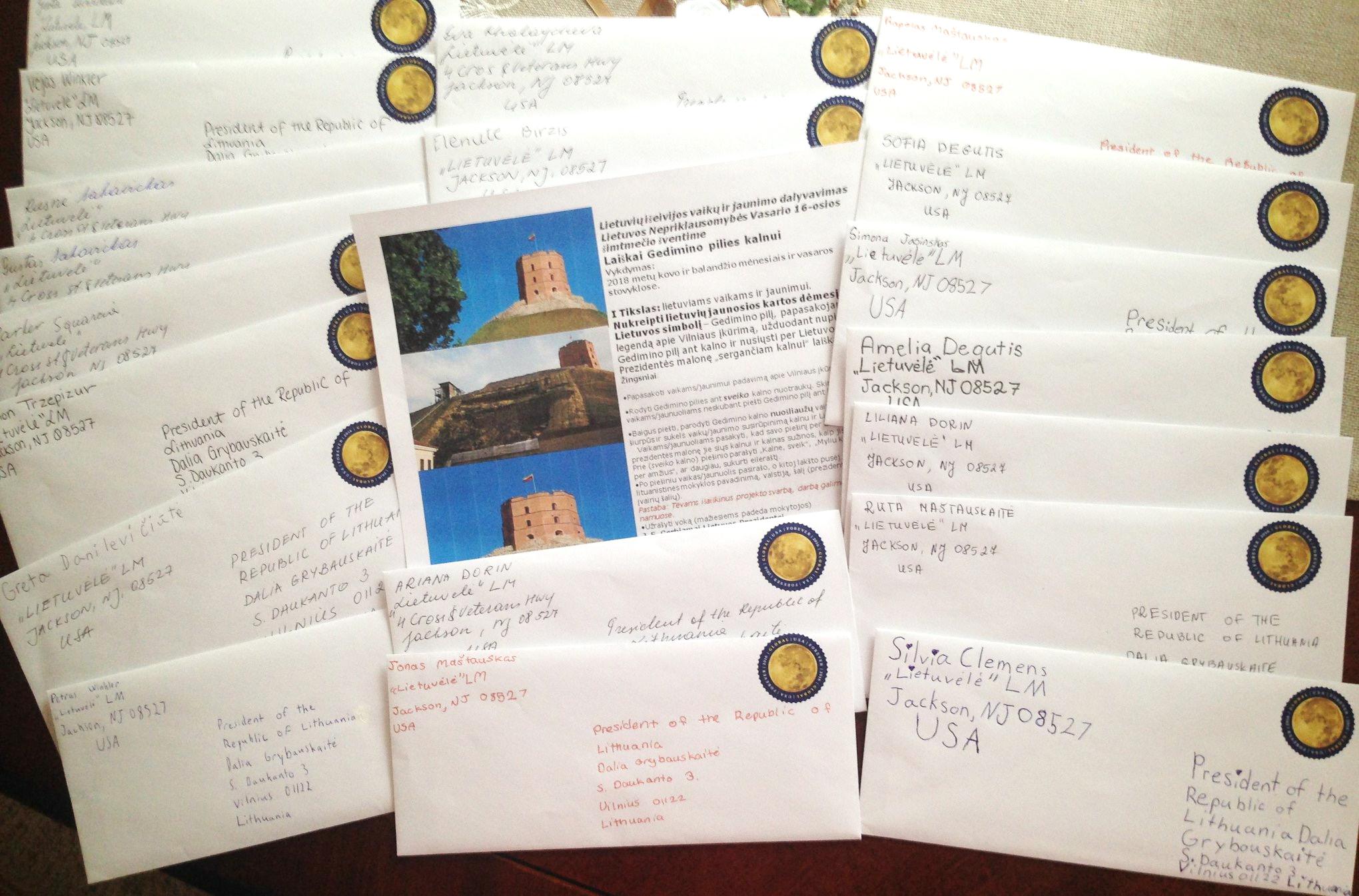Savo piešiniais ir laiškais Lietuvos Respublikos prezidentei Daliai Grybauskaitei vaikai išreiškė susirūpinimą kritine Gedimino kalno būkle.