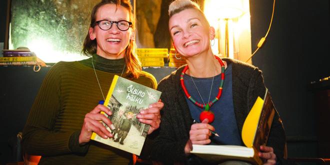 Rašytoja Jurga Vilė (k.) ir iliustratorė Lina Itagaki.