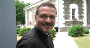 Valdas Aušra prieš keletą metų Tauragėje per Sinodą prie Martyno Mažvydo bažnyčios.