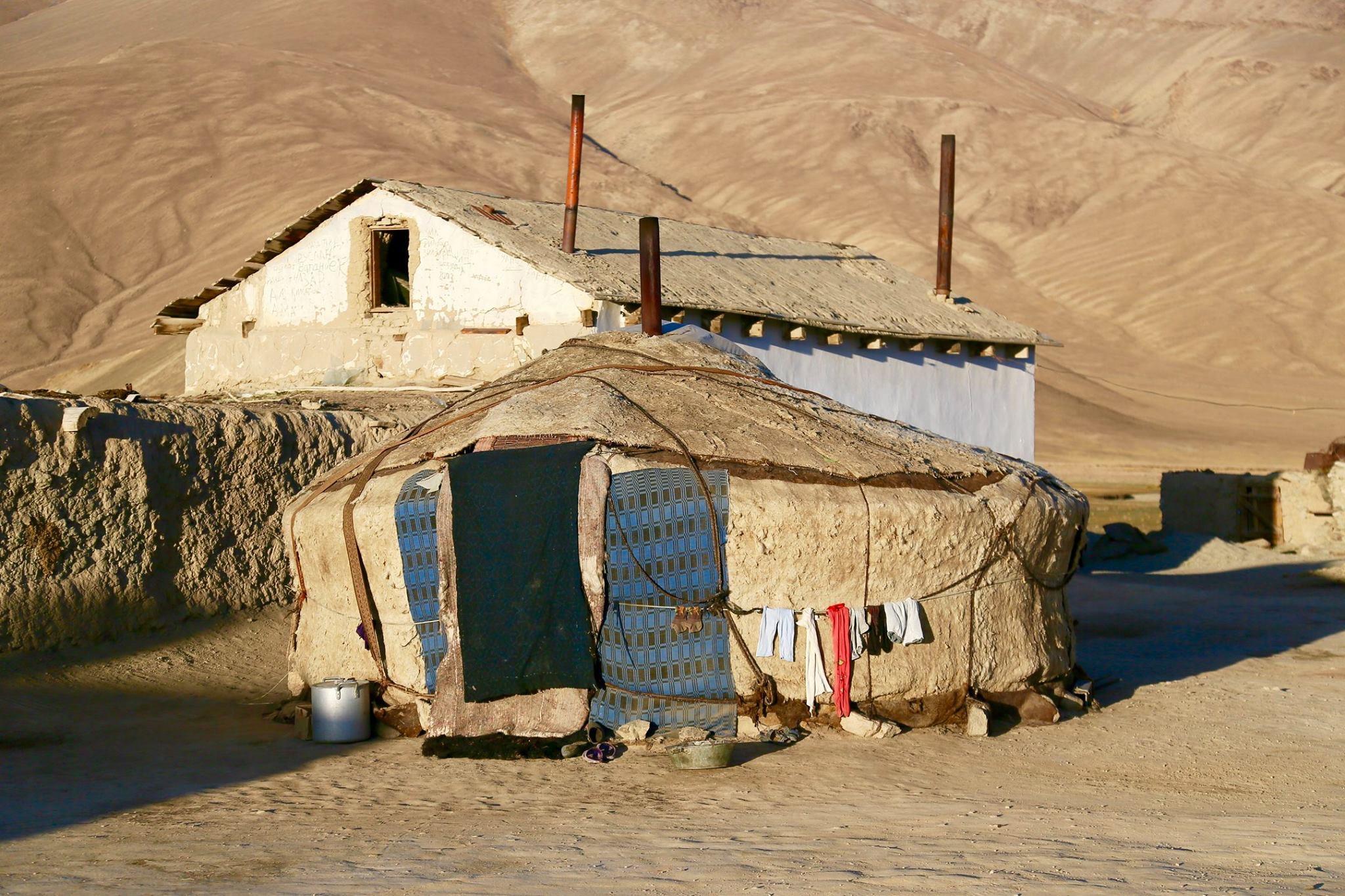 Tokius užfiksavo Mantas Afganistaną ir klajoklių genties buitį.