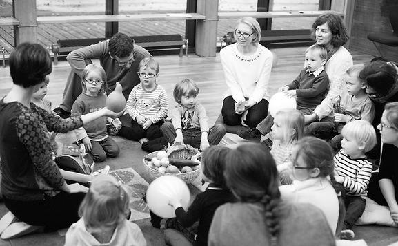 Liuksemburge lietuviška mokyklėlė atsirado aktyvių ir iniciatyvių lietuvaičių, norinčių savo vaikams perduoti lietuvių kalbą, Lietuvos kultūrą ir tradicijas, pastangomis.