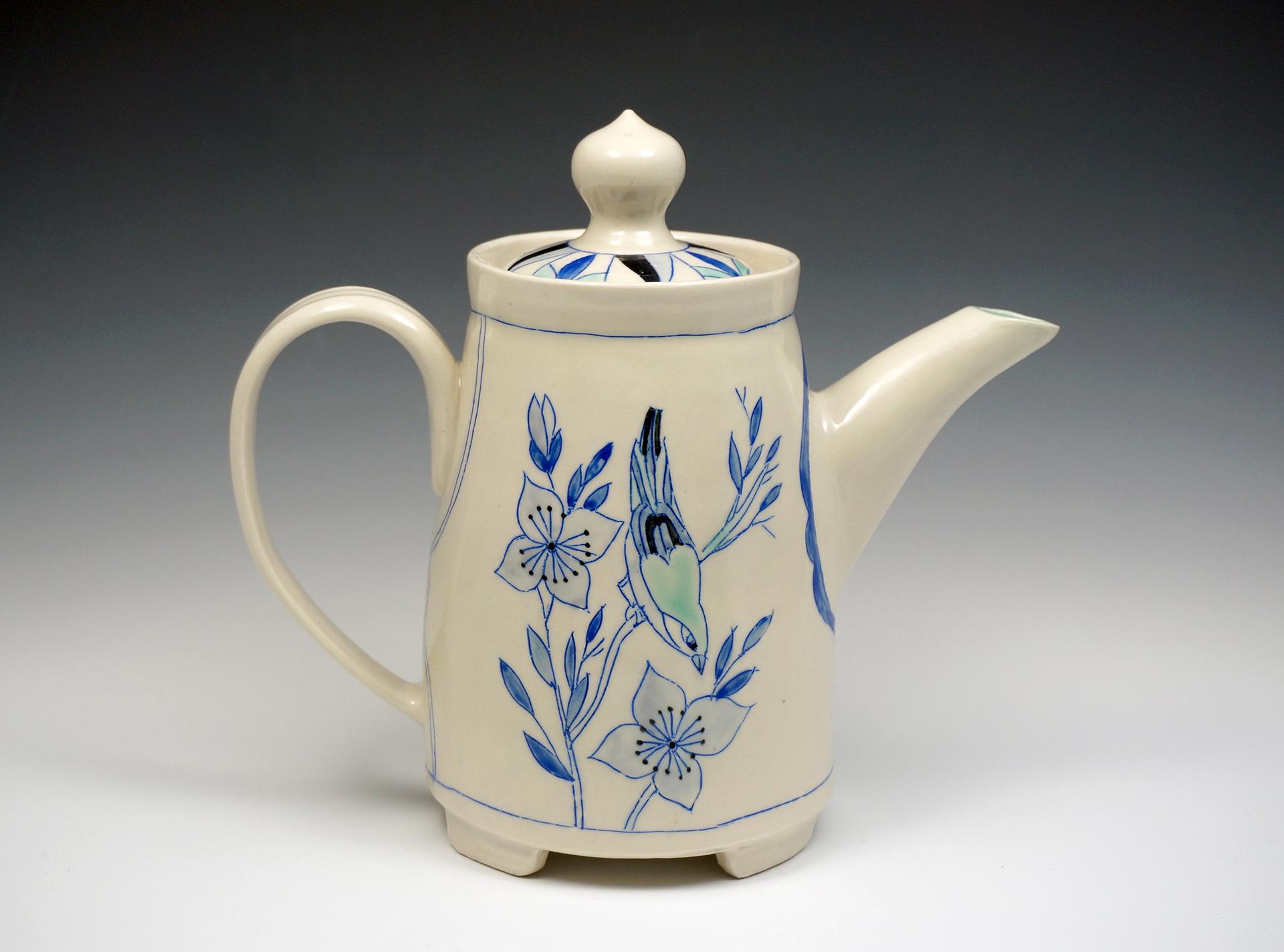 """Porcelianinis arbatinukas """"Paukštis su šunmedžio žiedais""""."""