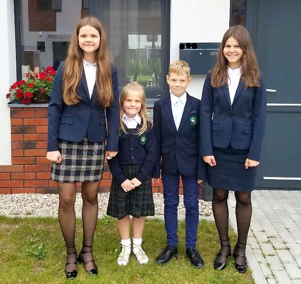 Gudynų šeimos pasididžiavimas – vaikai. Rugsėjo pirmoji – jau Lietuvoje.