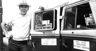 G. Karosas jaunystėje su grupe lietuvių apkeliavo Ameriką, skleisdamas žinią apie Lietuvą