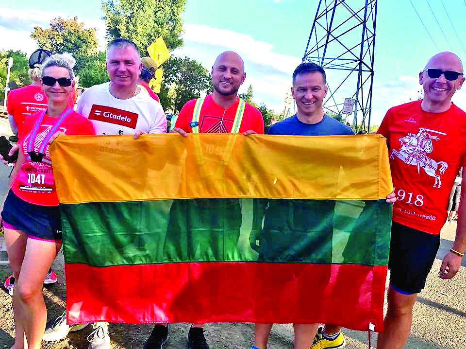 Mes mylime Lietuvą ir jaučiamės šaunūs.