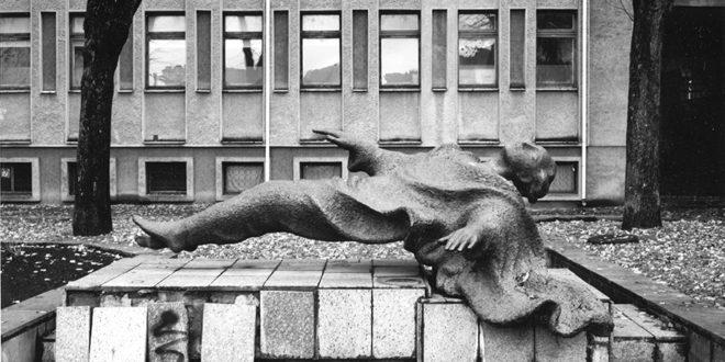 """Kaunas Falling""."