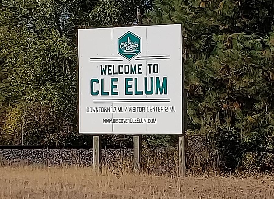 Kryžius buvo pastatytas Cle Elum mieste.