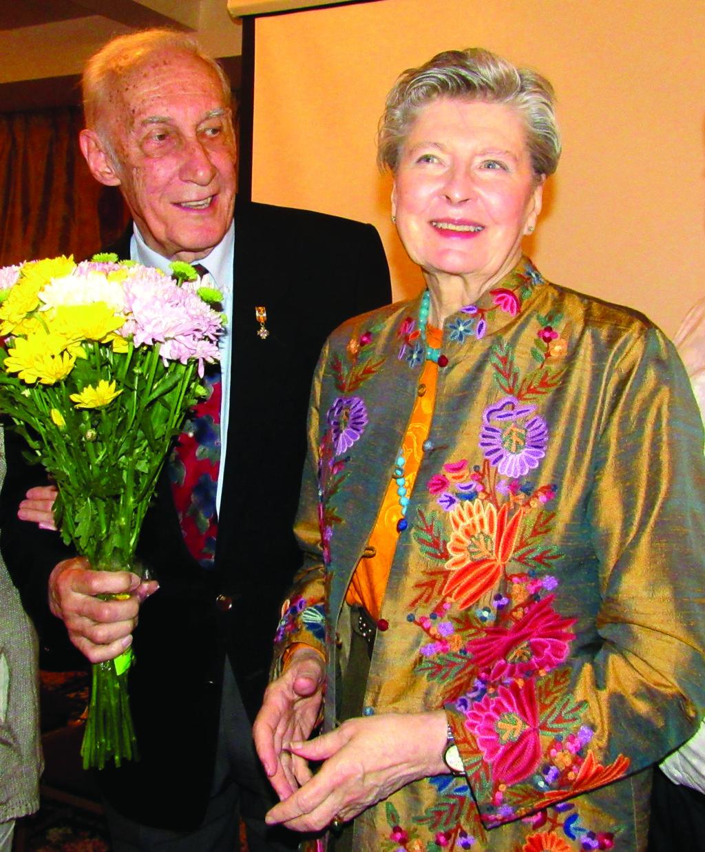 """Arnoldas ir Nijolė Voketaičiai Balzeko lietuvių kultūros muziejuje vykusiame filmo """"Prisimenu motinos balsą"""" (rež. Agnė Marcinkevičiūtė) pristatyme."""