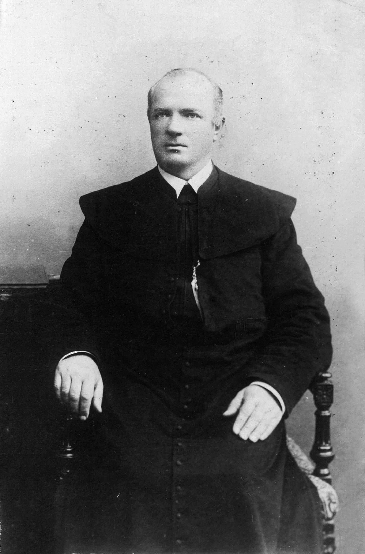 Kunigas Antanas Radušis.