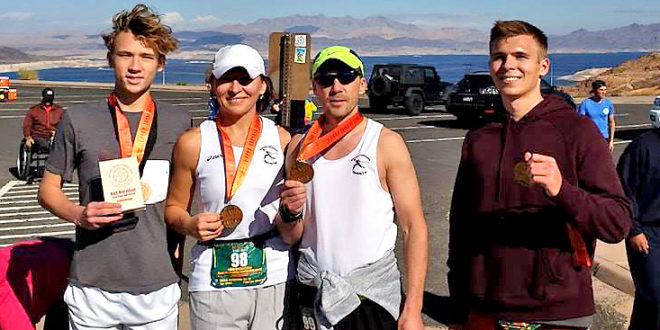 Po vieno iš prabėgtų maratonų su vyru Mariumi bei sūnumis Deividu ir Tomu.