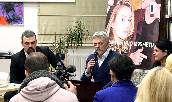 Simonas Jurkevičius (k.) Kaune yra įsteigęs italų kalbos mokyklą, o netrukus pasirodys ir jo vadovėlis lietuviams, norintiems išmokti itališkai.