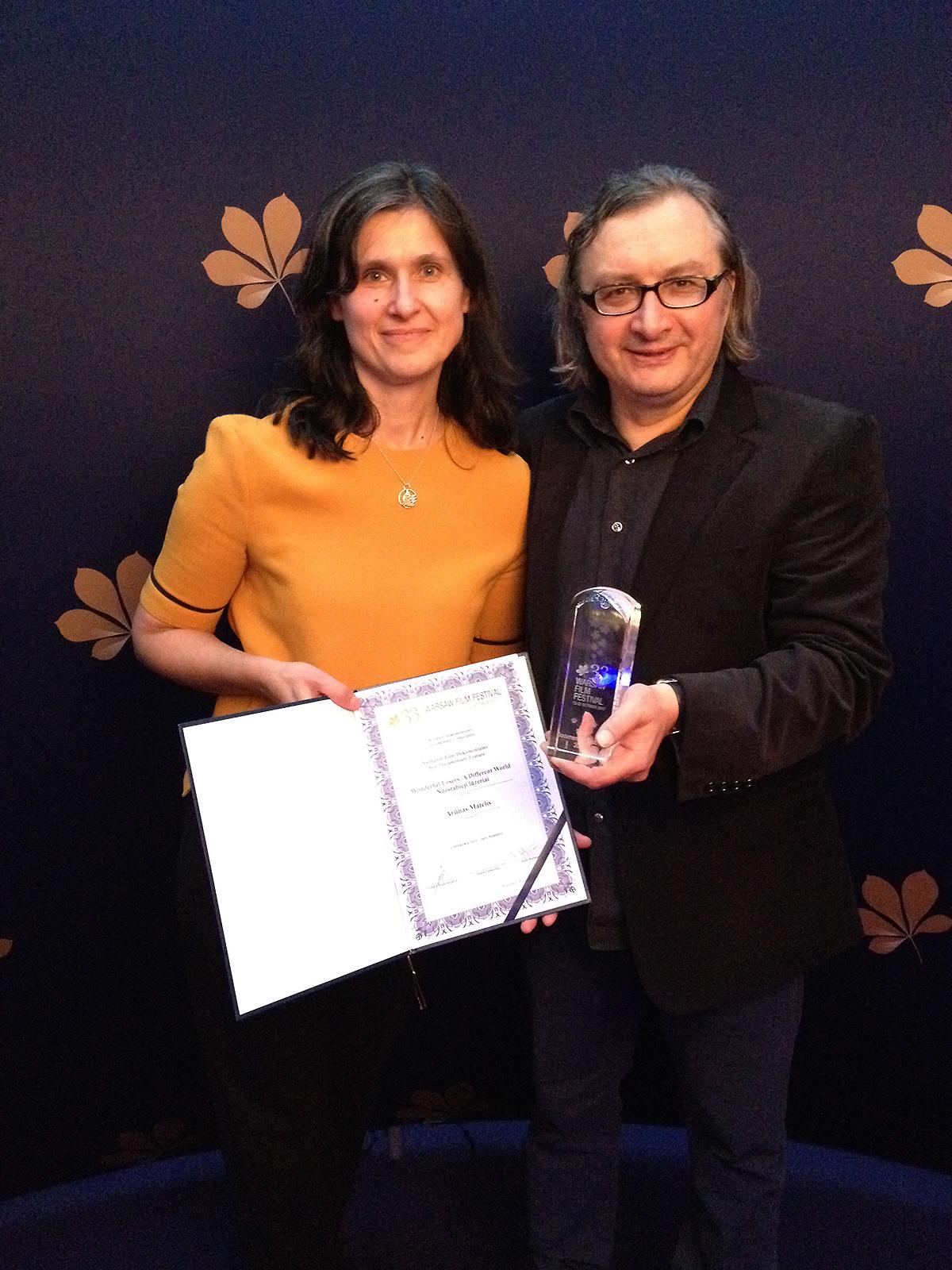 Režisierius A. Matelis su žmona Algimante, filmo prodiusere, po apdovanojimų prestižiniame kino festivalyje Varšuvoje.