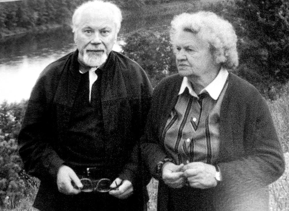 Poetas, publicistas Kazys Bradūnas su savo gyvenimo ir kūrybos palydove žmona Kazimiera Bradūniene.
