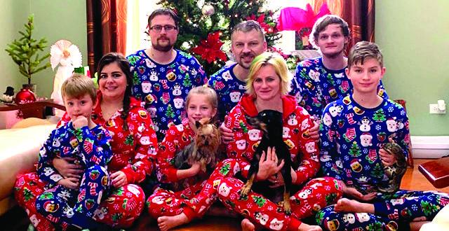 Kalėdų rytas šeimoje.