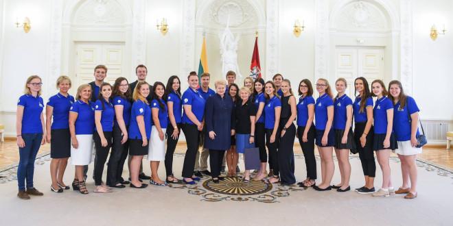 The 2016 LISS interns met with Lithuanian President Dalia Grybauskaitė.