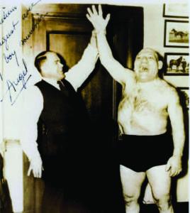 Požėla (as manager) with Maurice Tillet (the Angel).