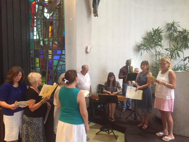 Šv. Mišių metu skambėjo liturginė, kanklių ir trombono muzika.