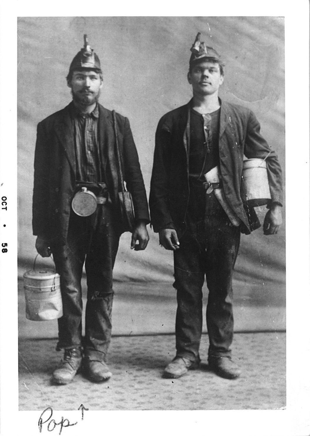 Angliakasiai Juozas Pakutinskas ir Kazys Mickus, maždaug 1910.