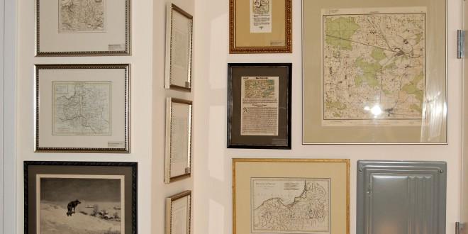 Andrew Kapochunas namuose šiandien puikuojasi 36 įrėminti žemėlapiai ir dar apie 50 žemėlapių saugomų skaitmeniniu formatu.