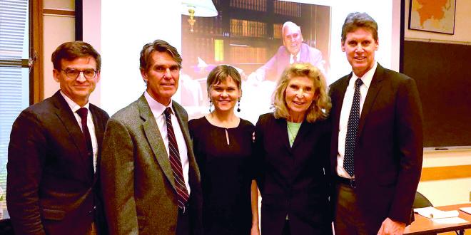 Jūratė Kazickaitė Yale universitete kartu su broliais Jonu (pirmas iš d.) ir Mykolu (antras iš k.) bei dr. J. P. Kazicko podaktarinės stažuotės Yale stipendininke dr. V. Davoliūte ir programos kuratoriumi dr. B. Woodworth, 2016, New Haven.