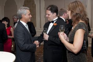 M. ir G. Gudynai mero R. Emanuel renginyje, skirtame susitikimui su Čikagoje reziduojančiais diplomatais.