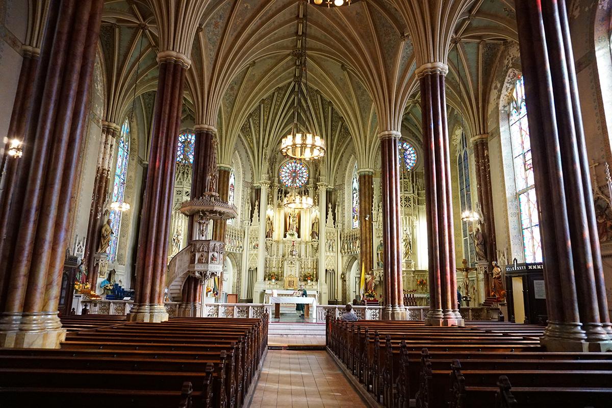 Šv. Alfonso šventovė – viena įspūdingiausių bažnyčių JAV Rytų pakrantėje.