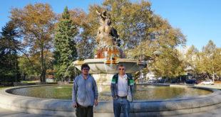 Pittsburghe išlikusias lietuviškas vietas Augustinui Žemaičiui (k.) parodė vietos lietuvis Jonas Baltrus.