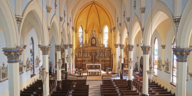 Šv. Petro ir Povilo lietuvių bažnyčia Elizabeth, New Jersey – didinga.
