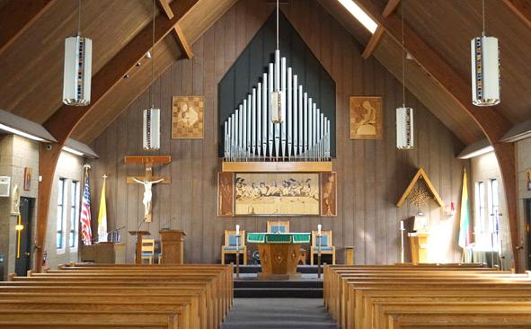 Pietinėje New Jersey dalyje, Bayonne mieste, yra bebokštė Šv. Mykolo lietuvių bažnyčia.