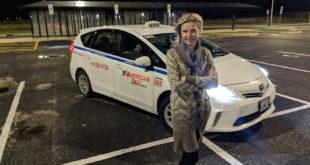 """B. Šostakaitė: """"Man patinka dirbti taksi vairuotoja, nes taip galiu pabendrauti su daugeliu įvairių žmonių."""""""