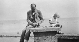 """Paroda """"Šeinius + Scheynius"""" atskleidė nežinomą rašytojo ir diplomato talento pusę."""