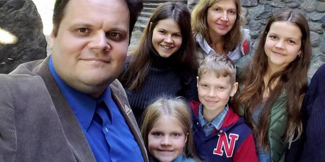 Lietuviai visame pasaulyje – kaip ir šeima – tarsi vienas stiprus kumštis!