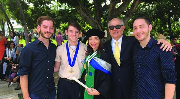 Venesuelos LB pirmininkas Vytenis Folkmanas su žmona Elizabeth ir trimis sūnumis (iš k.) Danius, Vytenis ir Victor neatmeta galimybės emigruoti į Europą. (Asmeninio albumo nuotr.)